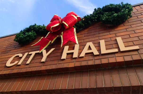 city-hall-xmas-ribbon728